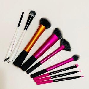 REAL TECHNIQUES 9-Piece Makeup Brush Bundle